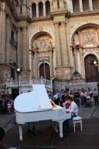 NOCHE EN BLANCO 2014: UN PIANO EN LA CALLE